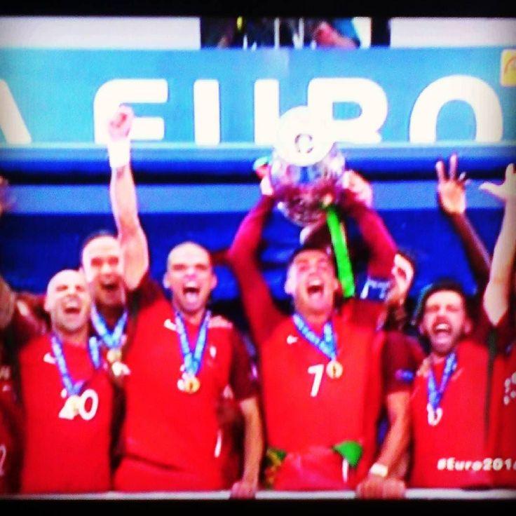 Felicitaciones #Portugal por su triunfo ante #Francia en #Euro2016  #euro2016poTLAyMTV #futbol #soccer #final #europe #winners #champions