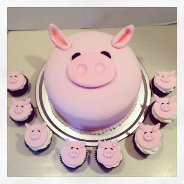 Piggy Cake and Cupcakes
