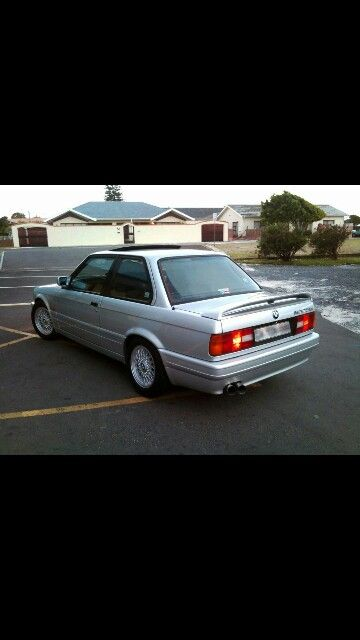 Bmw e30 325is south africa looking sweet