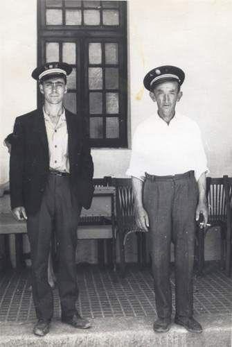 El pregonero  y el alguacil de Rascafría (Madrid) en 1960.