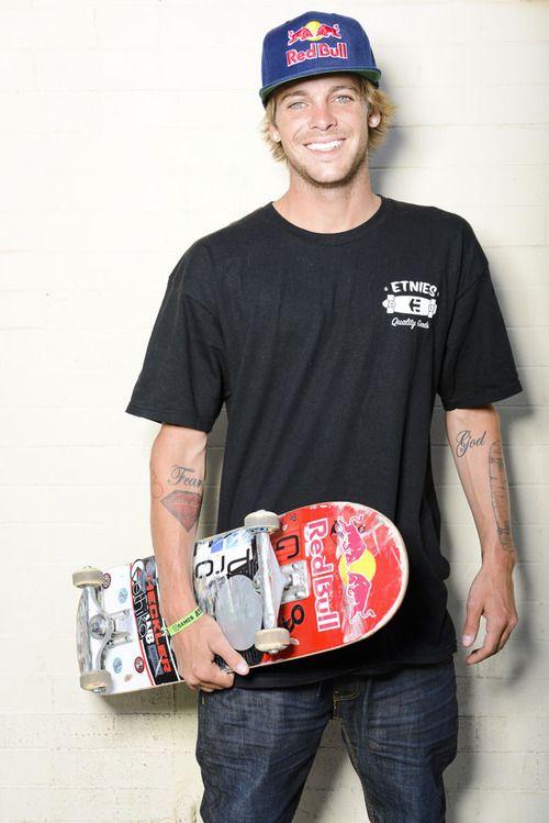 Ryan Sheckler <3  Skateboarding great