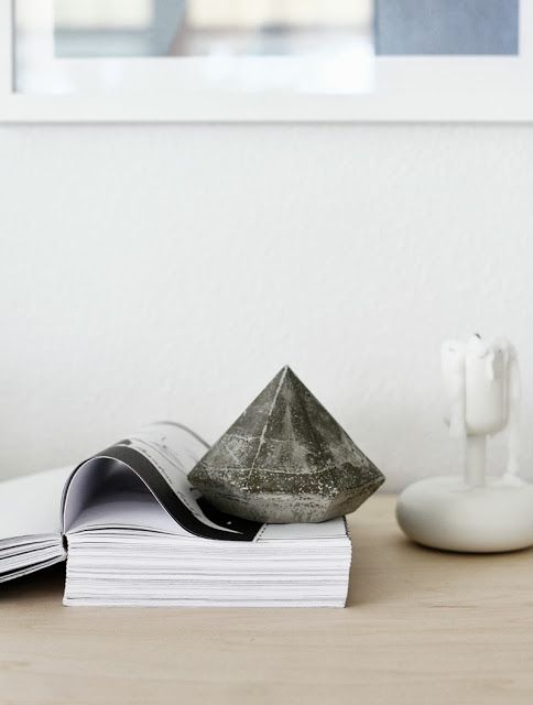 Méchant Design: DIY: a concrete diamond