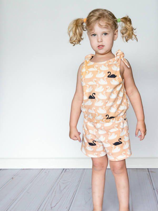 Patron gratuit : une combinaison à nœud pour petites filles Super chou pour l'été !