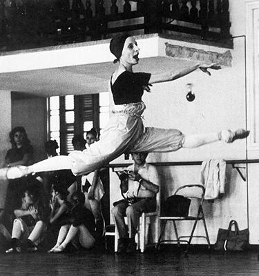 30 best alicia alonso images on pinterest vintage ballet for Antony tudor jardin aux lilas