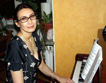 Irina Vesterberg - Pianolektioner Stockholm. If you live in Stockholm and looking for piano lessons from a professonal piano teacher then contact Irina Vesterberg. Irina teaches all styles of piano from traditional through to pop. After recently moving into the centre of Stockholm Irina can now travel easily throughout the city to visit her students at home. She also teaches  over Skype. You can have lessons in Swedish, English and Russian! www.irinavesterberg.se