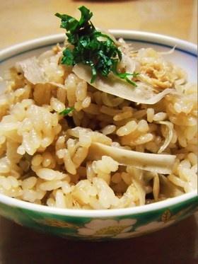 食物繊維たっぷり!ごぼうの炊き込みご飯♪ (October 22, 2012)