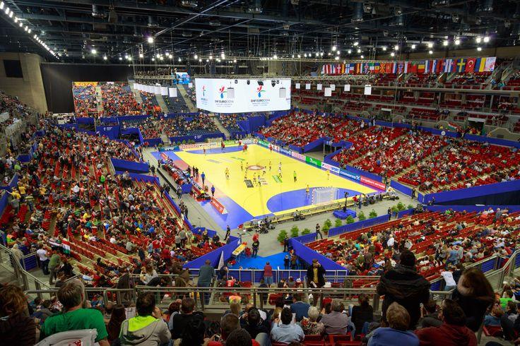 EHF EURO Final Budapest. Profesjonalne bramki do piłki ręcznej Sport Transfer. Professional Handball Goals Sport Transfer