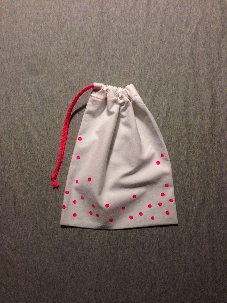 Sac à lien fluo pour linge ou goûter / pochon / pochette en linge ancien blanc avec pois fluo : Autres sacs par madame-moufle