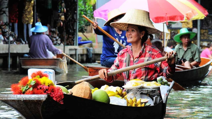 Thailand, floating market | Atlasa.cc #travel #photography