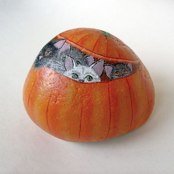 This Autumn-themed painted stone can be used as a paperweight, doorstop, table centerpiece, or home decor for Fall celebrations
