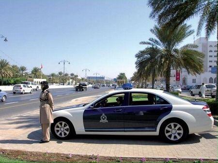 oman-police-car-450x337.jpg (450×337)