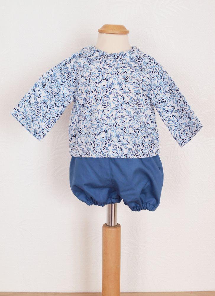 Le patron Babyboum propose trois indispensables pour bébés en version fille ou garçon : un bloomer, une blouse boutonnée dans le dos et un bob. La blouse peut être également à manches courtes pour l'été, à confectionner dans un tissu frais et léger.Cet ensemble peut être particulièrement apprécié comme cadeau de naissance.La pochette contient une planche de patron (version fille et garçon) en taille réelle et un livret d'explication.Les marges de couture...