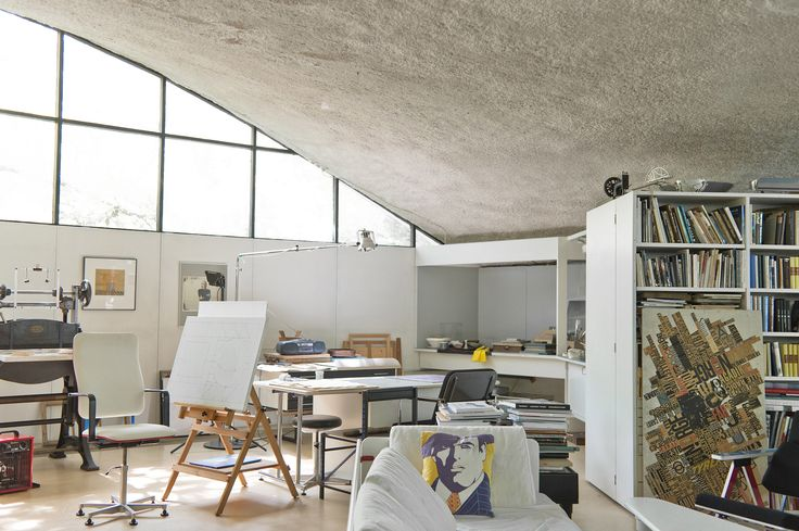 Interior architect Yrjö Kukkapuro's and graphic artist Irmeli Kukkapuro's studio and home in Kauniainen, Finland