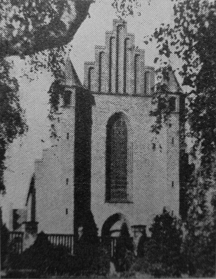 Den Katolske Kirke i Nygade..foreviget inde fra Helsingør Kirkegård..fra tiden før den bastante kirkegårdsmur blev en realitet