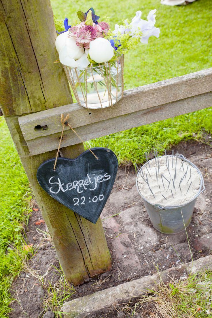 Rustieke bruiloft op boerderij