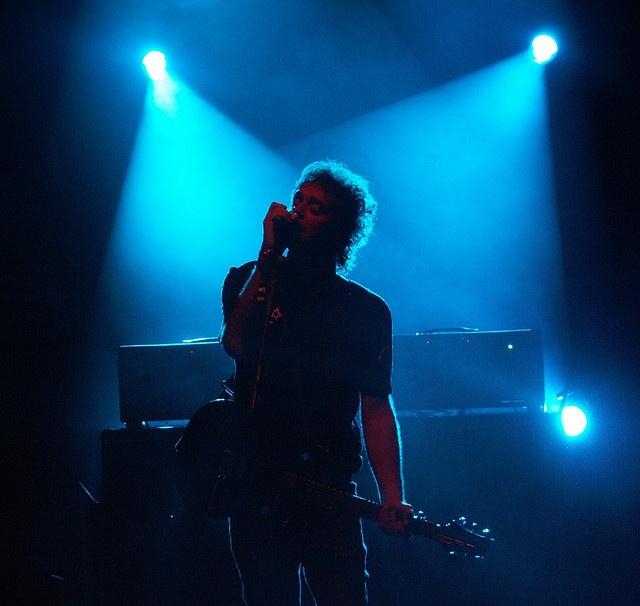 fluorescente azul, luz que baña mis sentidos