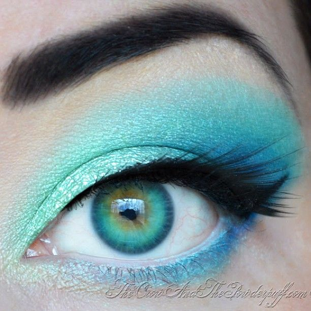 Holy gorgeousness! Were enamored by LadycrowX's Spring Rain look featuring a mix of #Sugarpill and #Aromaleigh eyeshadows. Her eyes are like a crystal clear lagoon!