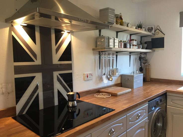 Our Union Jack cooker splashbacks can be made to any size or colour to suit your kitchen then delivered to your door. #kitchens #interiors #unionjack #home #aga #rangemaster #kitchenideas #kbb2017 #splashbacks #countrykitchen