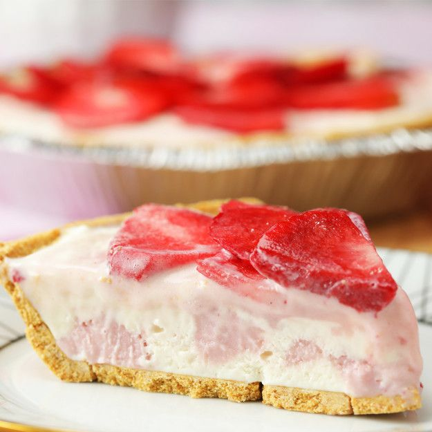 Strawberry Cheesecake Ice Cream Pie with Halo Top