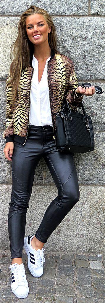 Choies Camel Tiger Print Women's Bomber Jacket by Frida Grahn