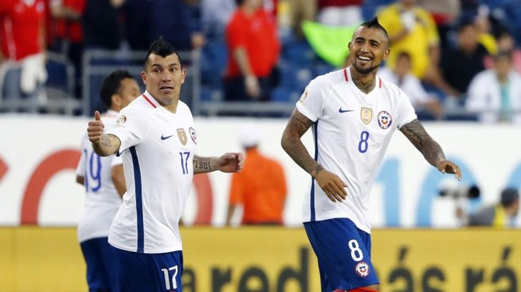 (Video) Con un dudoso penal, Chile venció a Bolivia 2-1 en el último minuto