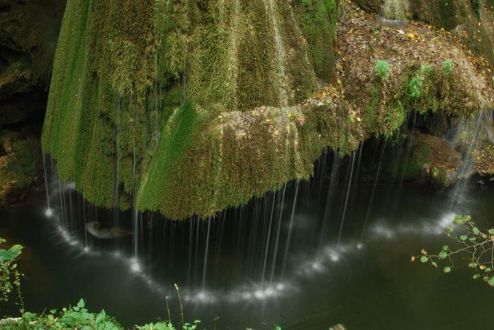 Cascada Bigăr - Valea Minişului, prezenta si in topurile internationale ca fiind una dintre cele mai frumoase cascade din lume.   jud. Caras Severin