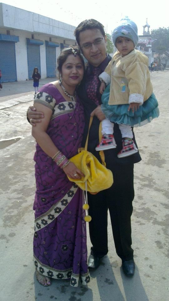 @Admyrin #selfieinsaree family pic but no function is complete without ethnic look