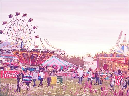 amusement park: Amusement Parks Fun, Amusa Parks, Favorite Places, Parks Finding, Circus Magic, Carnivalamus Parks, Carnivals Amusement Parks, Carnivals Riding, Pandemonium Carnivals