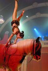 Christina Liechti (acrobatiek te paard) in Wintercircus Martin Hanson 2006 / 2007