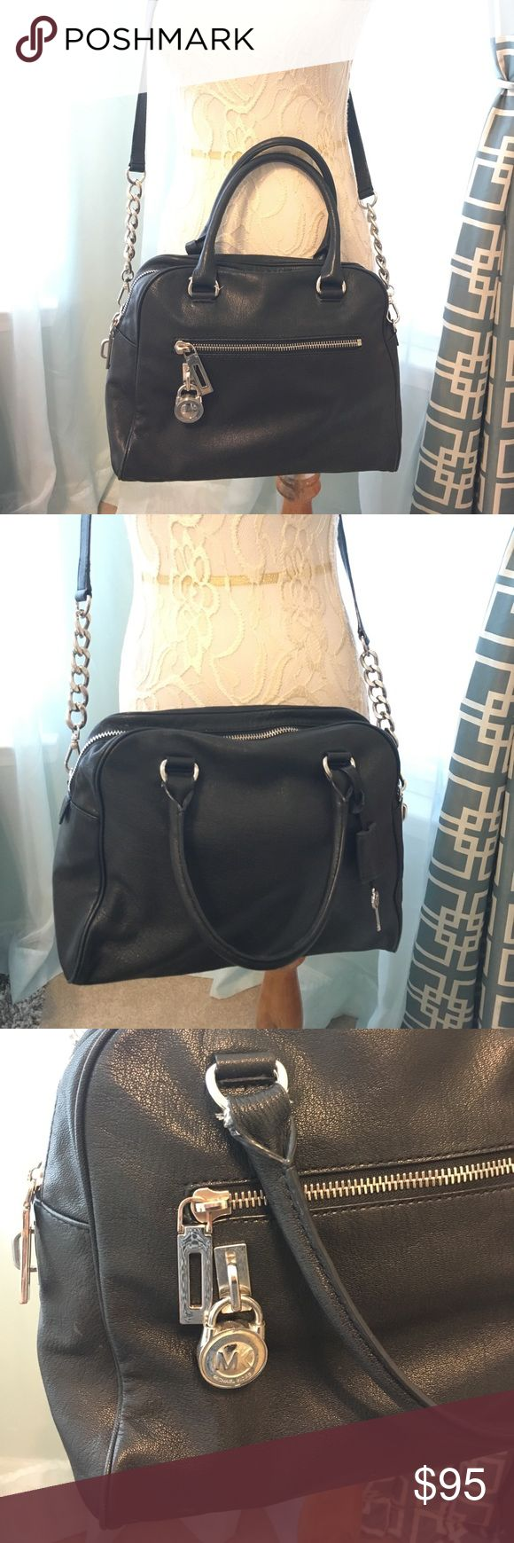 🌸Michael Kors Black Satchel/Crossbody🌸 Beautiful soft leather black Michael Kors satchel with long removable crossbody strap with silver metal link detail. Outside back large zippered pocket. Great size. Not too small or too large. 😊 Michael Kors Bags Satchels