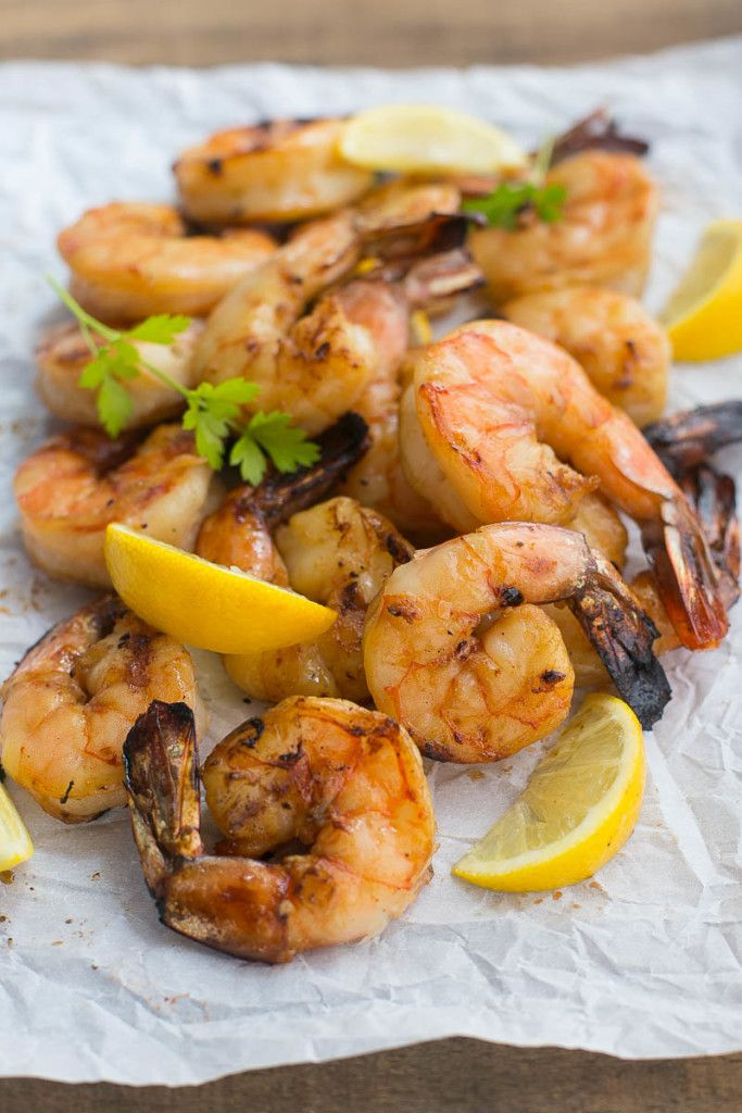 These grilled lemon sriracha shrimp are a little bit sweet, a little bit spicy and a whole lot delicious!  #KingsfordFlavor #Ad