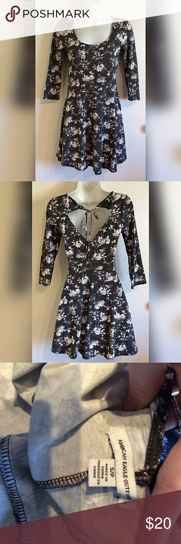 American eagle dress American eagle black and white floral skater dress. Size Small American Eagle Outfitters Dresses Mini