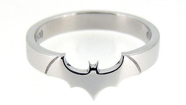 Beautiful DC Comics and Star Trek-Themed Jewelry [Pics]