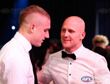 Dusty having a chat with Gary Ablett