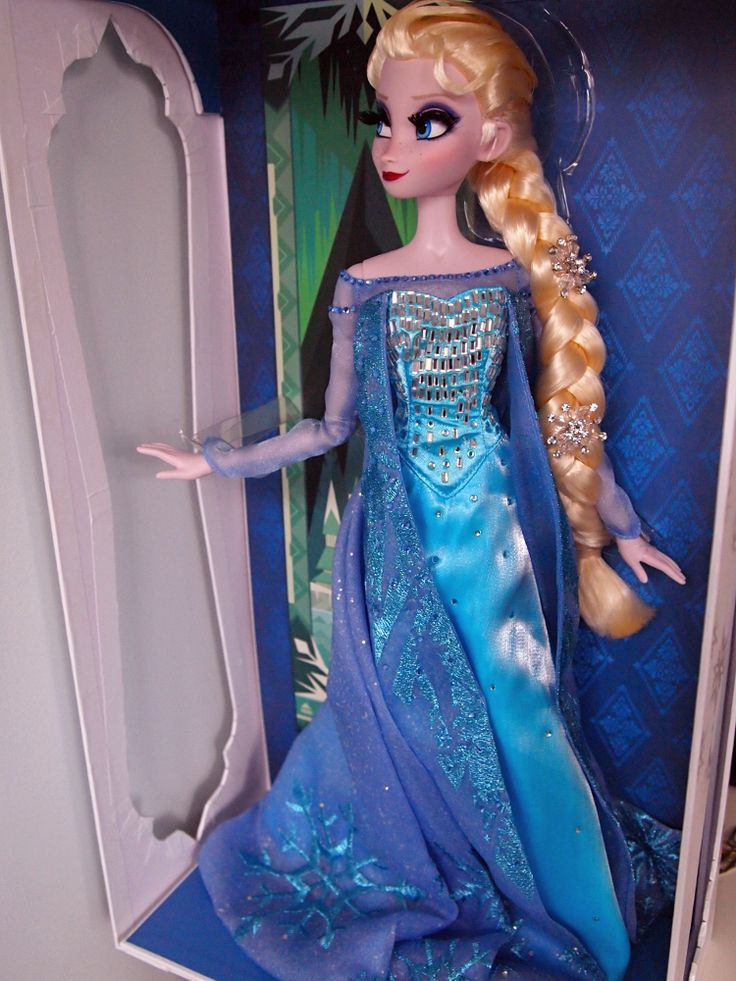 Limited Edition Snow Queen Elsa 17'' - Disnerd dreams