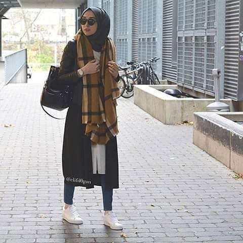 Hijaby Fashion Wear | Casual Street Style | Autumn/Winter Season