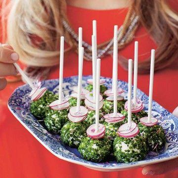 Cake-pops eller kakklubbor är förrädiskt gott, dessutom snyggt. Vi funderade på hur det skulle smaka med en salt och litet nyttigare variant? Efter lite ex