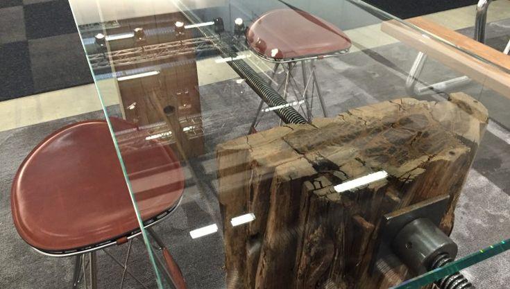 Unika Glass high table, close up