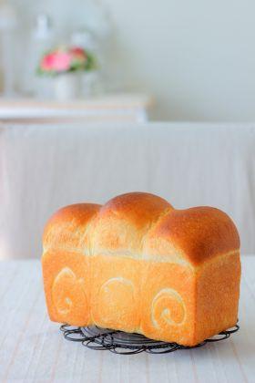 シンプルが美味しいホシノ食パン」あいりおー | お菓子・パンのレシピ ...