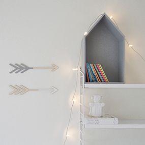 Arrows in veneer from Instahjem. The best kids room detail :-)