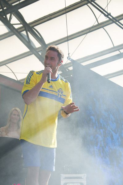 Mans Zelmerlow Photos - Sweden U21 Team Return to Sweden Victorious after winning UEFA European U21 Championship - Zimbio