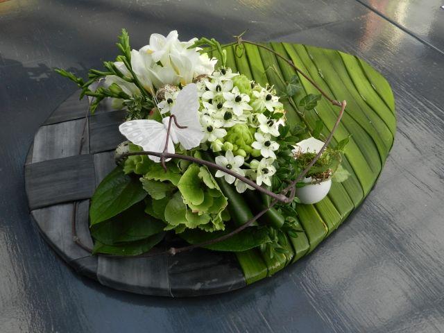 Paasei bloemstuk