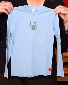 Martha and crafter Jen Hopwood make felt snap-on appliqués for kids' T-shirts. Lots of templates but the snap is genius