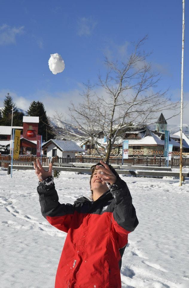 Disfrutá de la Nieve! Más info en www.facebook.com/viajaportupais