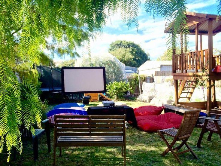 Outdoor Cinema, Backyard Movie Nights - Melbourne's Mobile Backyard Movie nights, Cinema, Melbourne, VIC, 3000 - TrueLocal
