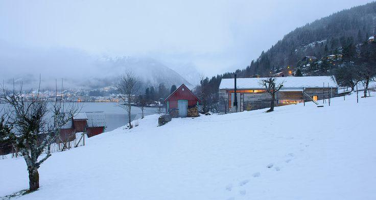 BALESTRAND-cabin in winter landscape