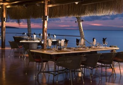 Clube Naval Dinner. Visit our website at www.raniresorts.com