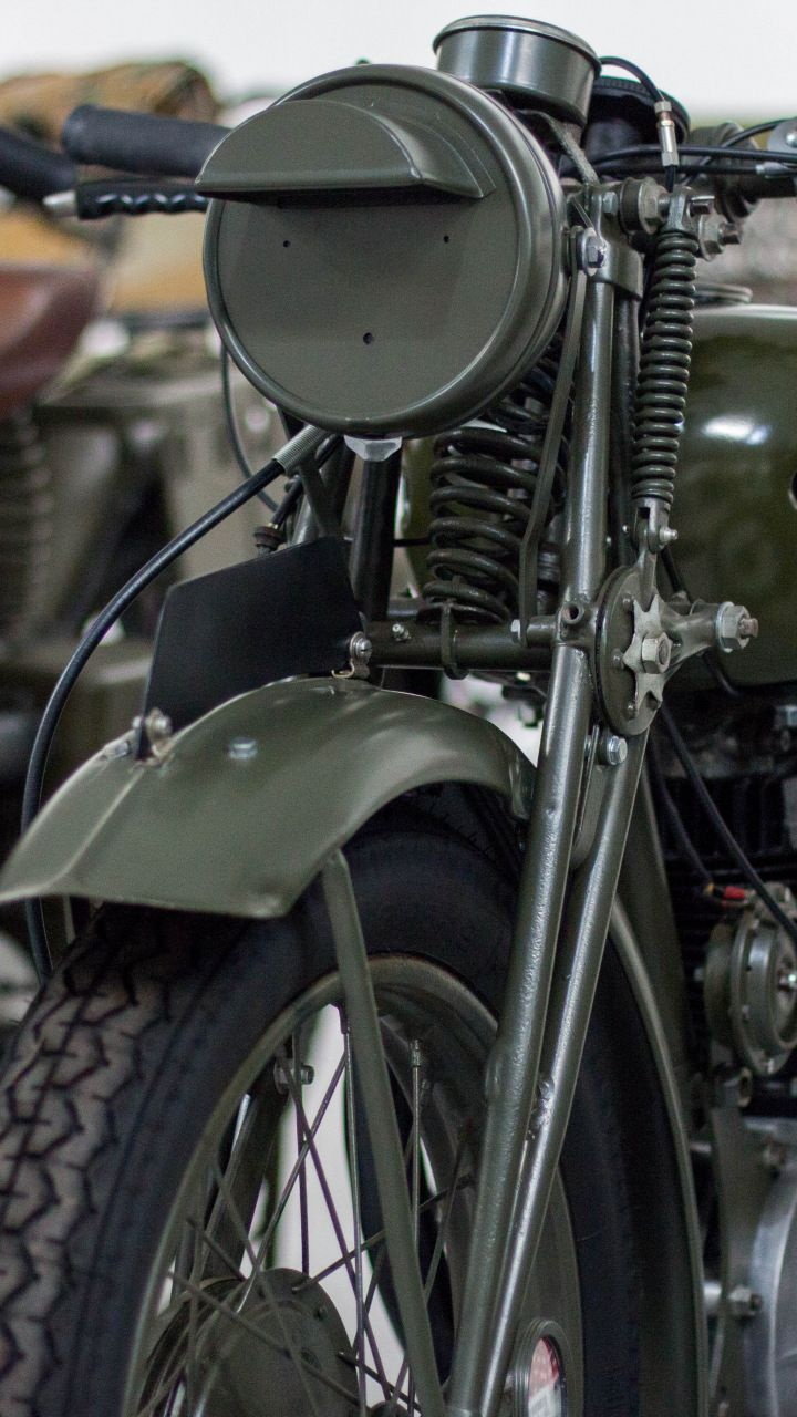 Vintage Retro Motorcycle Bike Front 720x1280 Wallpaper