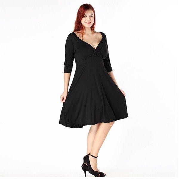 Plus Size Loose Fit-Kleid mit V-Ausschnitt - Jetzt reduziert bei Lesara