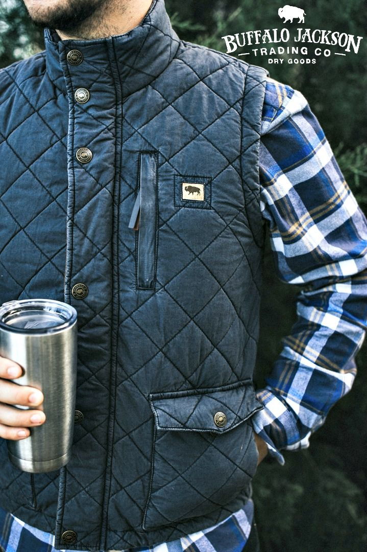 This men's quilted vest is waxed and washed, giving it a broken-in, vintage look. Layers great with an oxford or a flannel, jeans and boots. Perfect for a fall day, whether you're hiking the trail or tailgating with the guys.